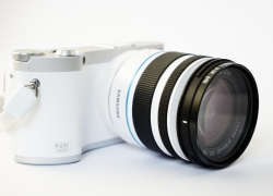 Sony Alpha a5000 Mirrorless Digital